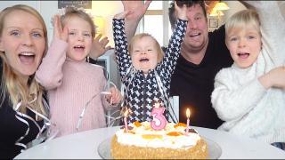 LUXY iS JARiG!  MET SNEEUW  ( 3 jaar) | Bellinga Vlog #2005