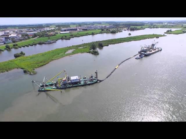 Baggeren in de IJssel
