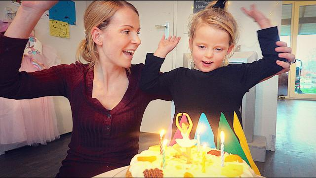 HOERA! LUCiLLA iS JARiG!  ( 5 jaar) | Bellinga Vlog #1618