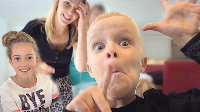 WEEKENDJE TEXEL EN KiJKER VERRASSEN!  | Bellinga Familie Vloggers #1401