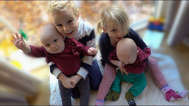 EERSTE KEER BABY NiCHTJE ZiEN  ( van Tante Iris) | Bellinga Familie Vloggers #1239