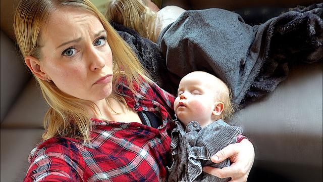 ZiEK OP VAKANTiE  ( voorjaarsvak 2019)   Bellinga Familie Vloggers #1286