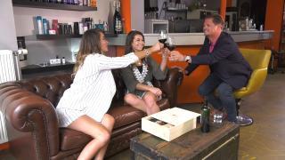Quality Time op Zondag | 14.8 | WineTime | Gina en Beau proosten