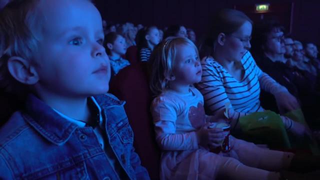 DE KLEiNE ZEEMEERMiN + WiNACTiE! | Bellinga Familie Vlog #891