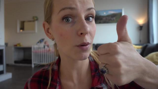WAT ZiT ER iN DE DOOS?    Bellinga FamilieVloggers #1146 #DeBellingaS #BellingaTV #FamilieVloggers.nl #FamilyVloggers.com #Youtube #Google